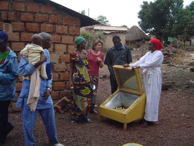 La cuisson solaire en guin e la guin e de l 39 eau du bois du soleil - Chambre d agriculture haute vienne ...